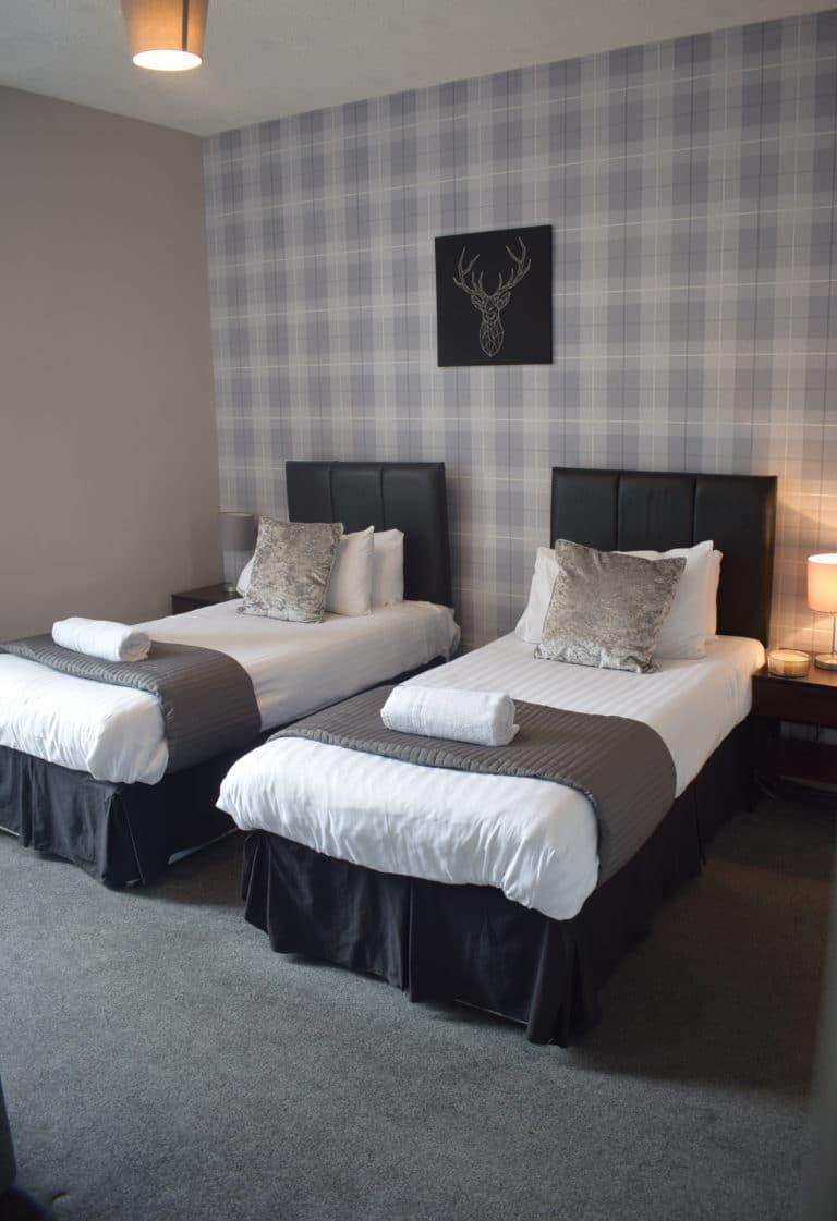 McDonald Apartment- (2 Bedrooms) Falkirk Central