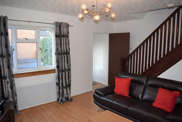 Russell Apartment- (2 Bedrooms) Larbert