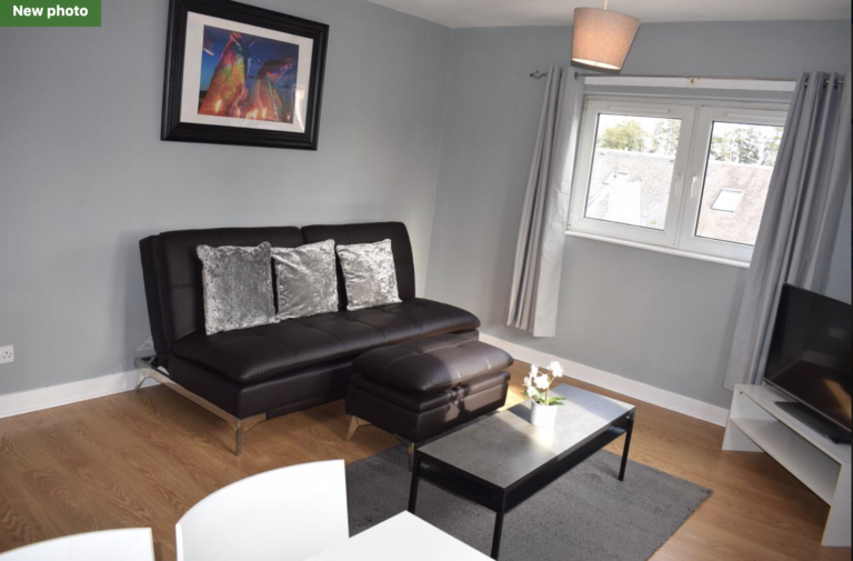 Campbell Apartment- (2 Bedrooms) Livingston, Edinburgh